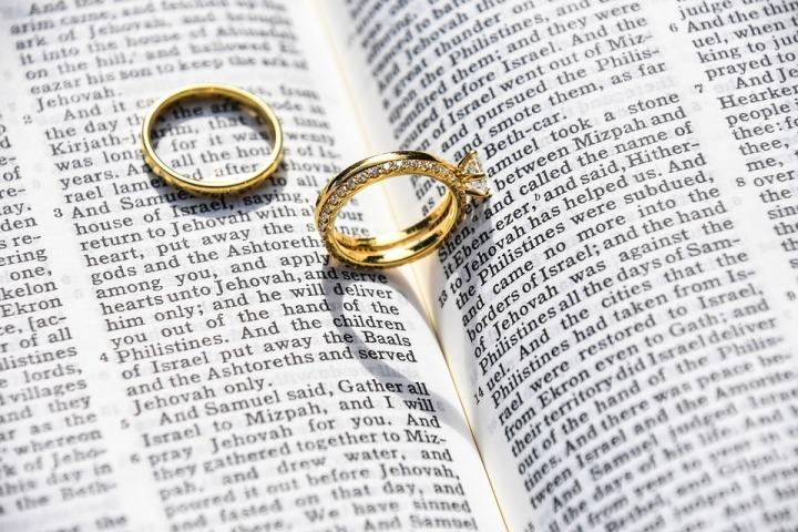 De uniciteit van het huwelijk tussen één man en éénvrouw